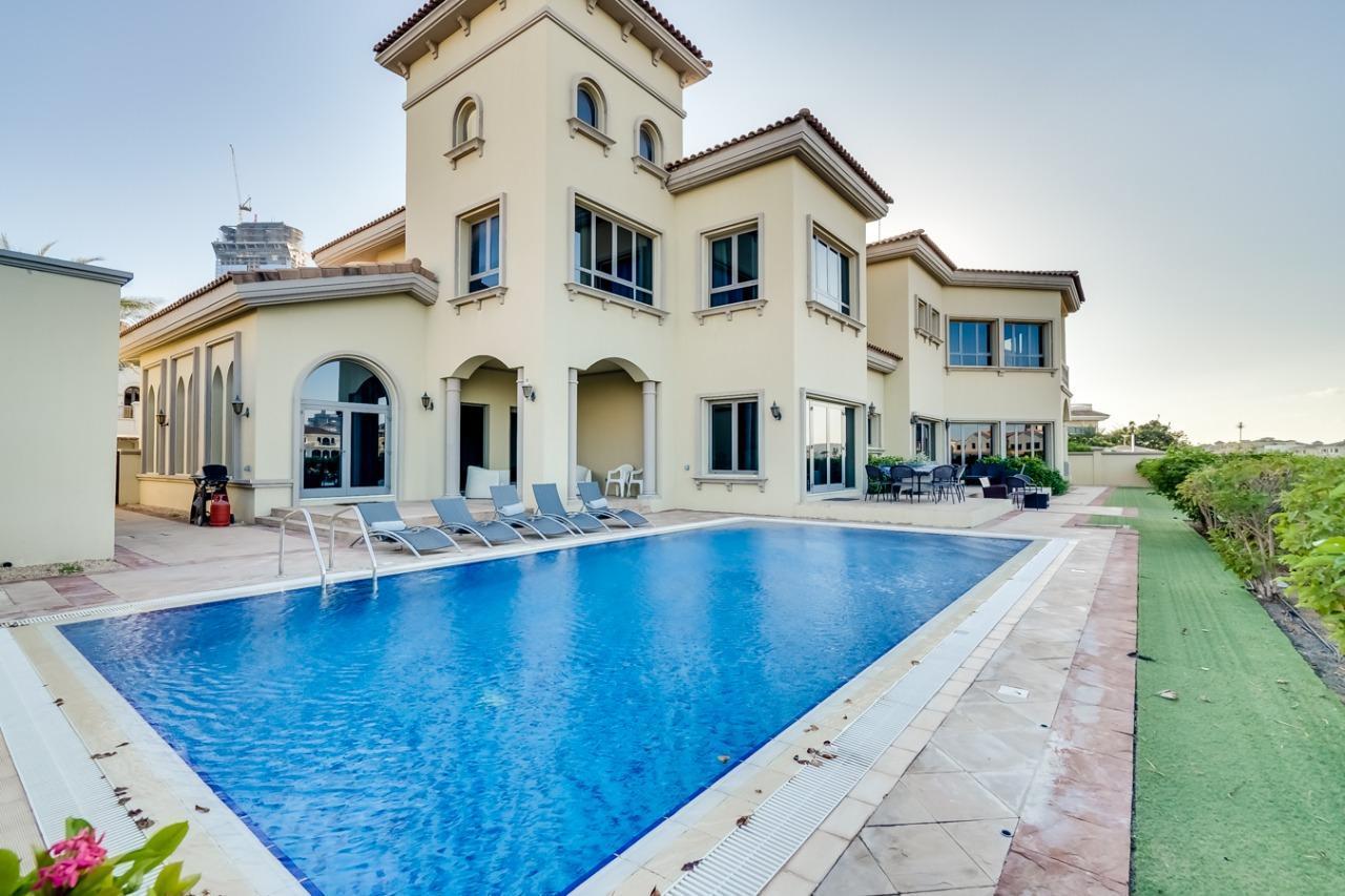 Six Bedrooms Villa Palm Tropic In Palm Jumeirah