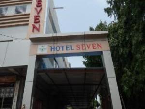 Hotel Seven