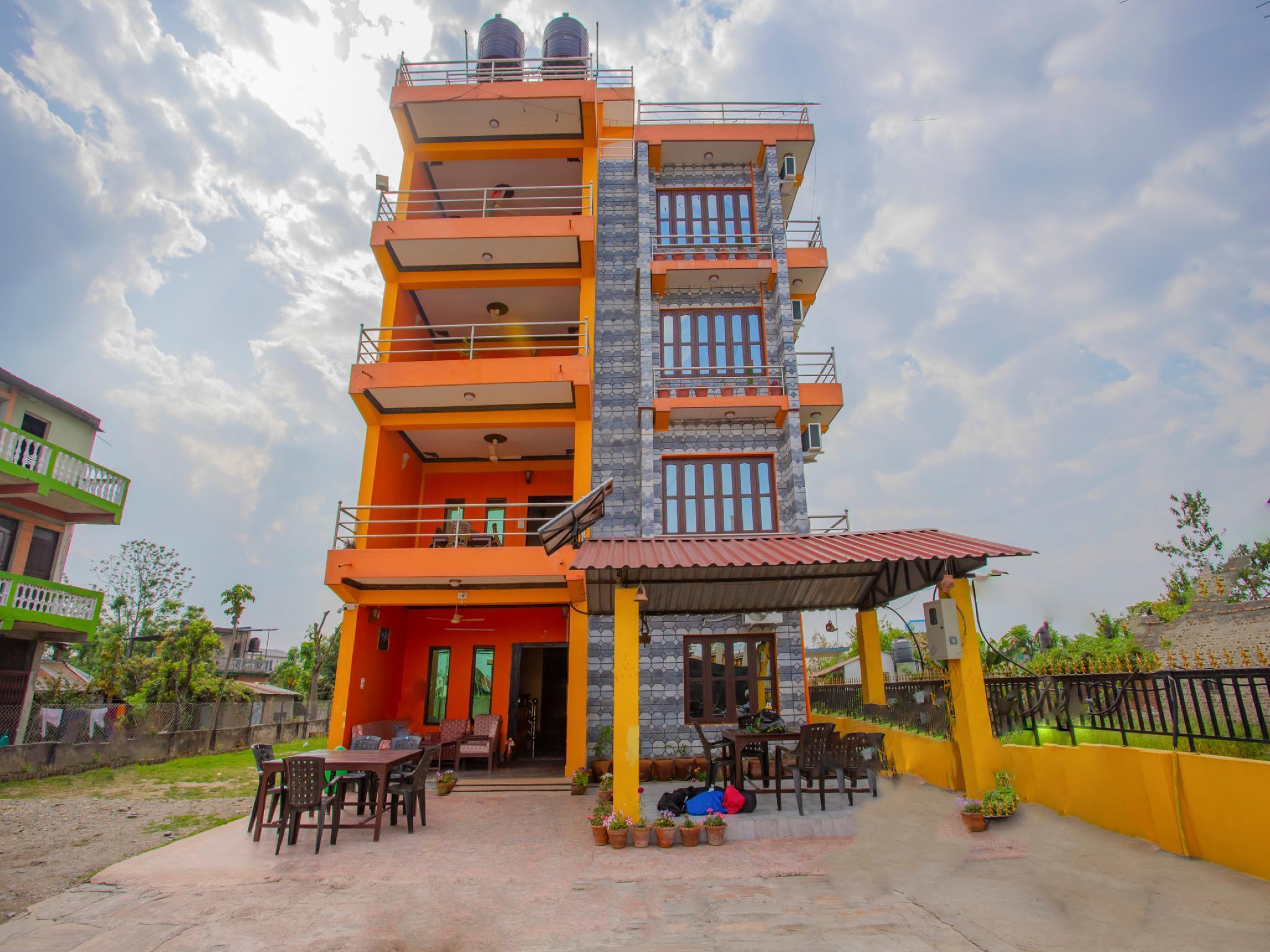 OYO 348 Hotel Park Treasure