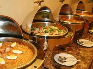 Crown Regency Hotel & Towers Kota Cebu - Buffet