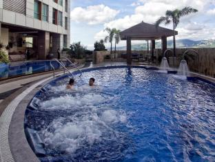 Crown Regency Hotel & Towers Kota Cebu - Kolam renang