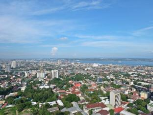 Crown Regency Hotel & Towers Kota Cebu - Pemandangan