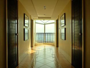 Crown Regency Hotel & Towers Kota Cebu - Lobi