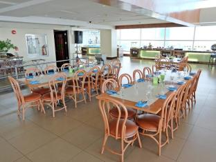 Crown Regency Hotel & Towers Cebu - Restaurant