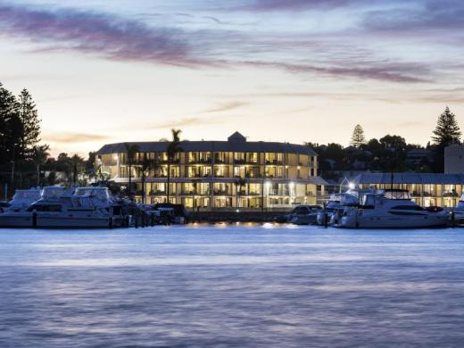 Pier 21 Apartment Hotel