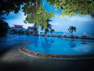 Royal Hotel And Healthcare Resort Quy Nhon Quy Nhon (Binh Dinh) - Swimming Pool