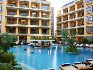 Mantra Pura Resort Pattaya - Hotel Exterior