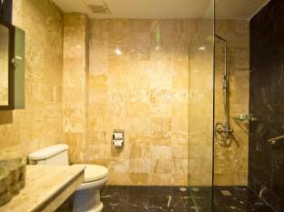 Mantra Pura Resort Pattaya - 2 Bedroom Mantra Suite Bathroom
