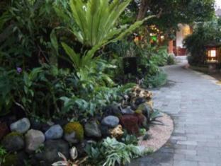 Yulia Village Inn Hotel Bali - Orchid Garden