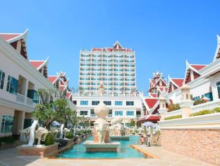 Grand Pacific Sovereign Resort & Spa Hua Hin / Cha-am