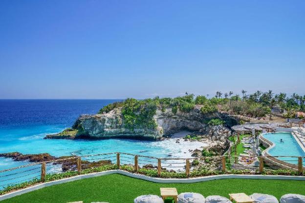 Blue Lagoon Avia Villa