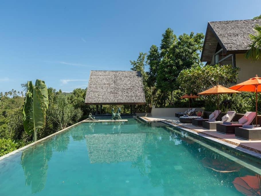 Top End Exquisite Pool Villa   5 Bedroom