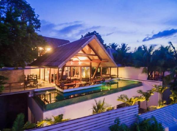 Superb 4-bedroom luxury Villa with Ocean Views! Phuket