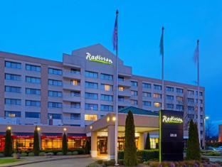 /sl-si/radisson-hotel-seattle-airport/hotel/seattle-wa-us.html?asq=vrkGgIUsL%2bbahMd1T3QaFc8vtOD6pz9C2Mlrix6aGww%3d