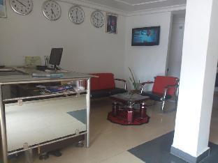 Flamingo Hotel & Suites 5