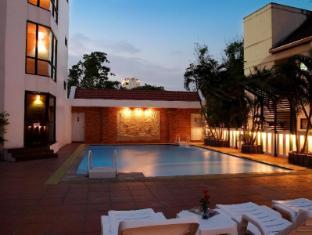 C H Hotel Chiang Mai - Pool view