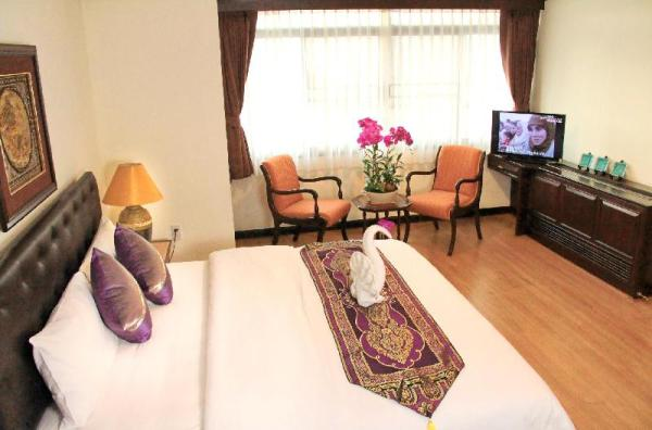 Yellow Ribbon Hills Boutique Suites Bangkok