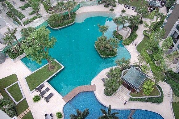 Spacious Resort Like Condo In Central Bangkok