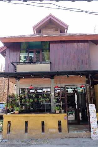 let's cafe and cooking house. let's cafe and cooking house.