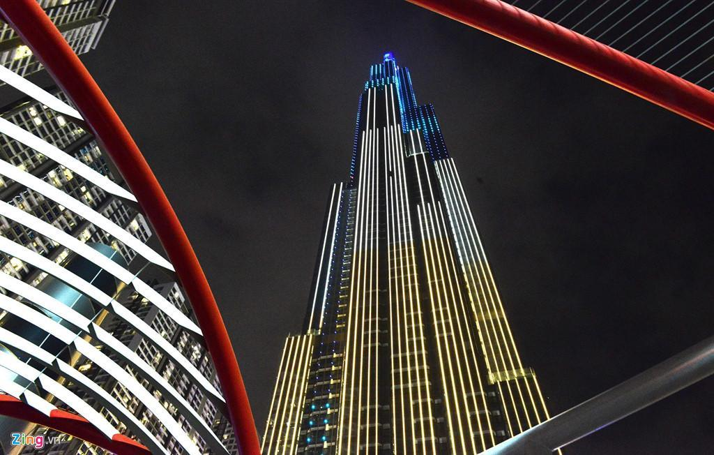 Hoasun Des Arts   Landmark 81 Tower