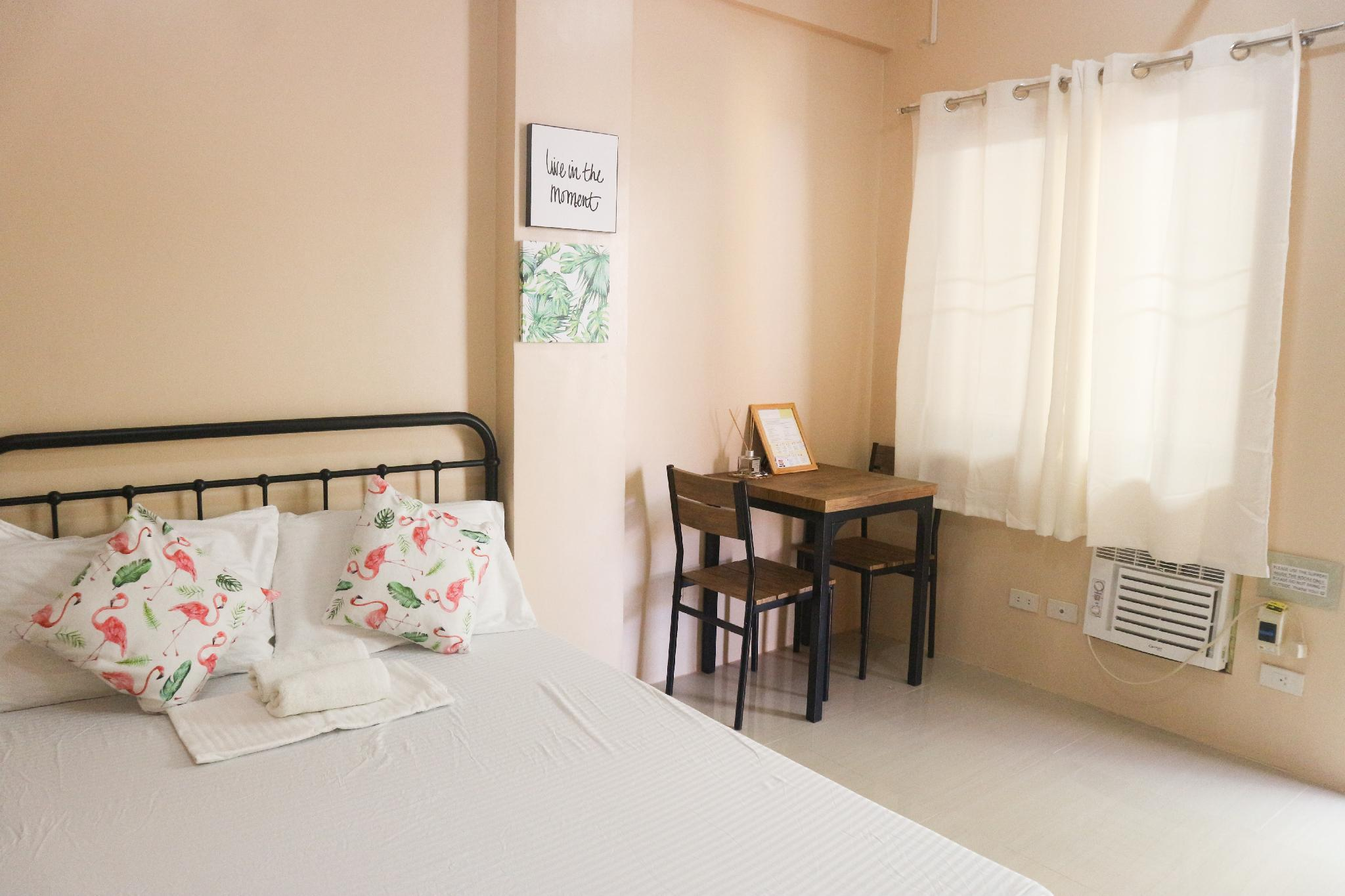 Budget Room For Two  K    Iloilo City   Happy Hues