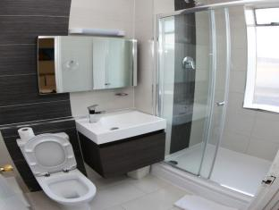 Ascot Hyde Park Hotel London - Bathroom