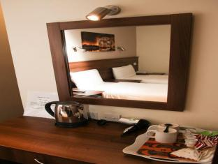Ascot Hyde Park Hotel London - Guest Room