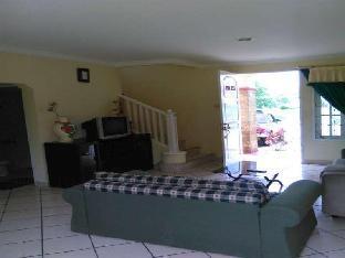 Puncak Resort  Drive 233