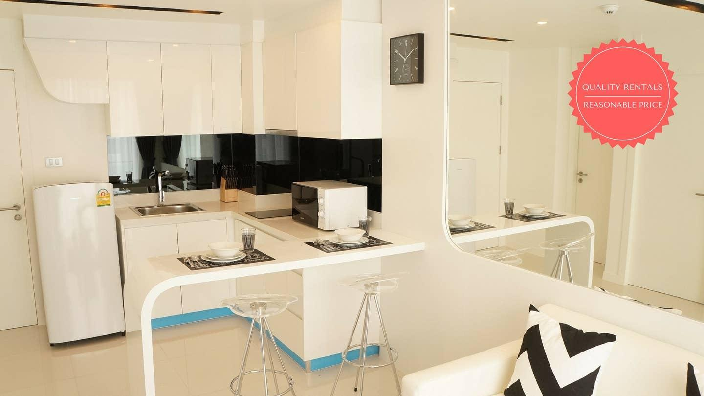 BREATHTAKING VIEW 1 Bed In City Center Residence