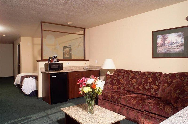 The Ashley Inn And Suites