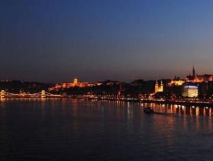 Novotel Danube Hotel Budapest - View
