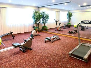 Golden Crown China Hotel Macau - Fitness Room