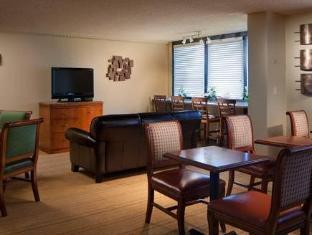 /id-id/marriott-airport-hotel/hotel/miami-fl-us.html?asq=jGXBHFvRg5Z51Emf%2fbXG4w%3d%3d