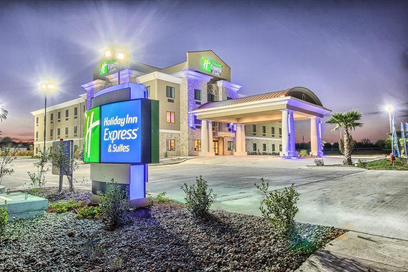 Holiday Inn Express Carrizo Springs