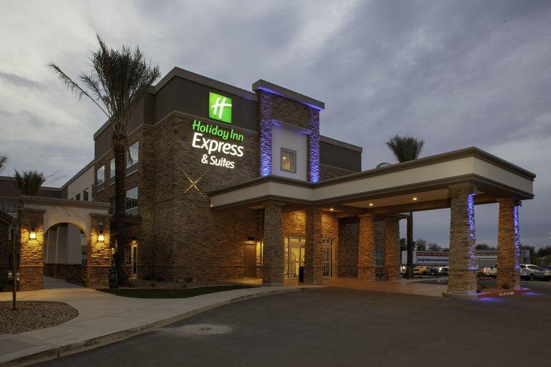Holiday Inn Express and Suites Gilbert - East Mesa