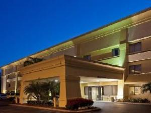 La Quinta Inn & Suites Tampa Fairgrounds – Casino: ważne informacje (La Quinta Inn & Suites Tampa Fairgrounds – Casino)