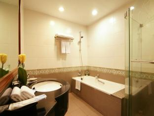 Grand Diamond Suites Hotel Bangkok - Kylpyhuone