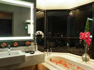 Grand Diamond Suites Hotel Bangkok - Bathroom