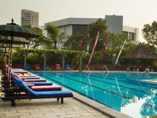 Bumi Surabaya City Resort Surabaya - Swimming Pool