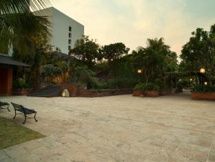 Bumi Surabaya City Resort Surabaya - Tamansari Garden