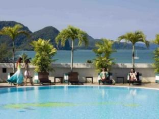 Bayview Hotel Langkawi - Swimming Pool