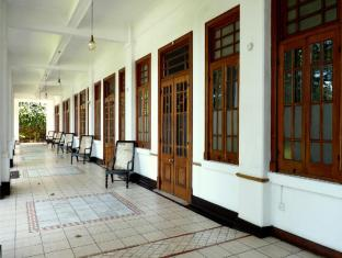 Hotel Suisse Kandy - Corridor