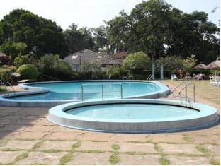 Hotel Suisse Kandy - Swimming Pool