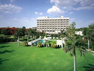 /fr-fr/the-gateway-hotel-fatehabad-road-agra/hotel/agra-in.html?asq=vrkGgIUsL%2bbahMd1T3QaFc8vtOD6pz9C2Mlrix6aGww%3d