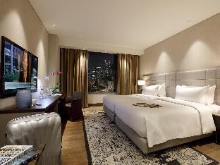 picture 2 of Makati Diamond Residences