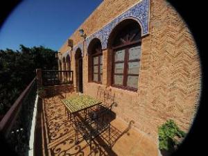 關於安捷瑞飯店 (Al Jasira Hotel)