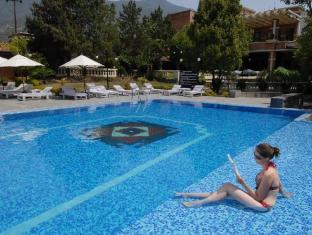 Park Village Hotel Kathmandu - Swimming Pool