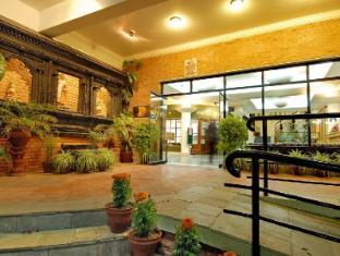 Park Village Hotel Kathmandu - Hotel Entrance