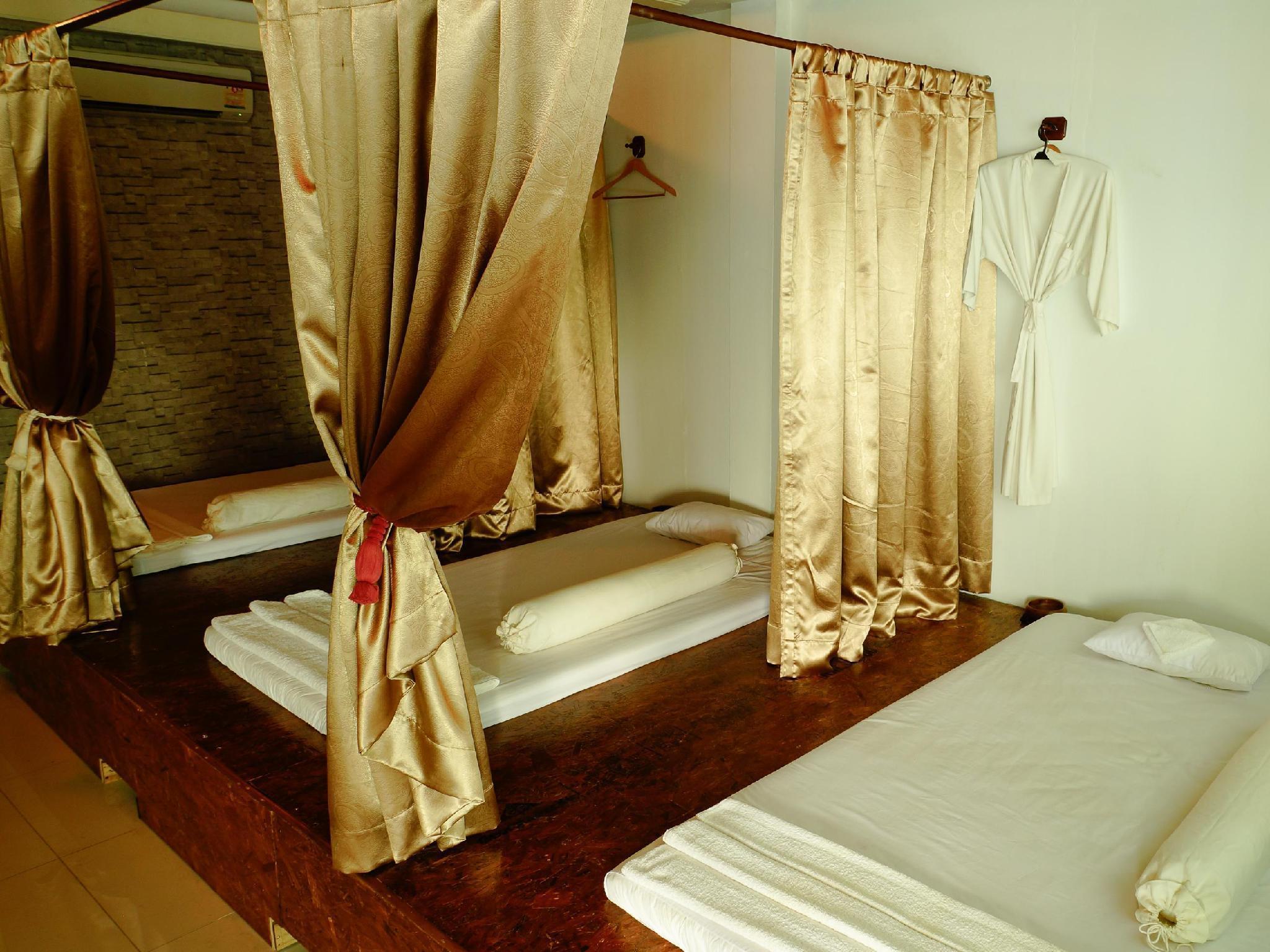 Saphan Krungthep Hostel