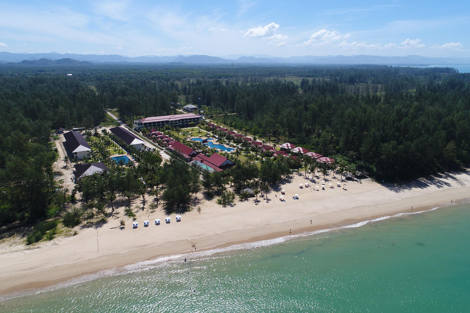 The Sunset Beach Resort Kho Khao Island